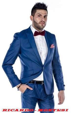 Descopera gama de costume barbatesti. Viggo este confidentul barbatului pentru care haina de calitate reprezinta in aceeasi masura emotie, placere si dorinta.