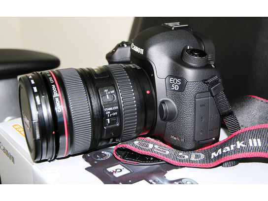 Canon Eos 5D Mark III Kit Digital Camera - 24-105mm Lens