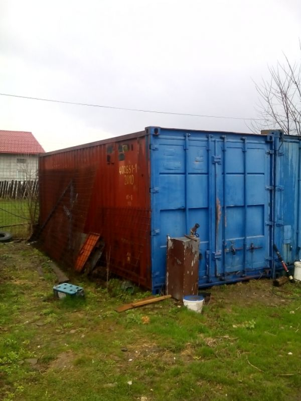 Container metalic