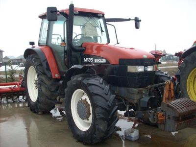 Vand tractor  New Holland M 135